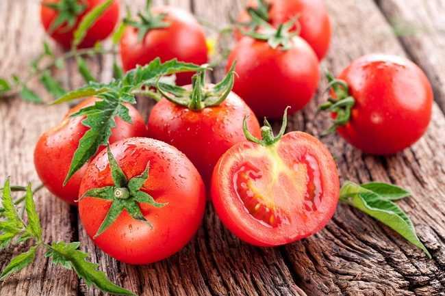 3 Manfaat jus Tomat Sangat Bagus Untuk Tubuh Anda